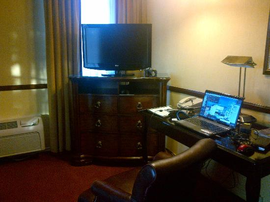 Ayres Hotel & Suites in Costa Mesa - Newport Beach: desk set up across from the sofa.. and my laptop