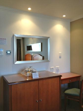 The Great Southern Hotel: Twin Room on 7th Floor
