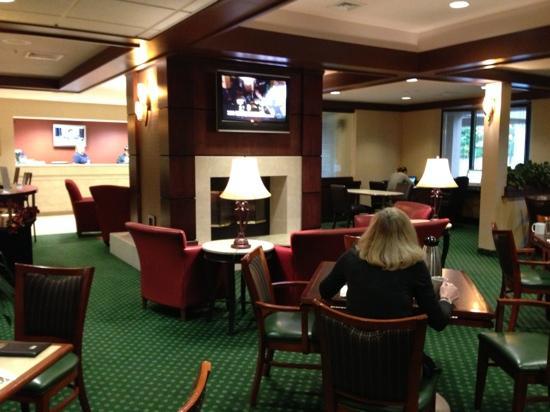 "Courtyard Burlington Williston: The ""Bistro"" and lobby."