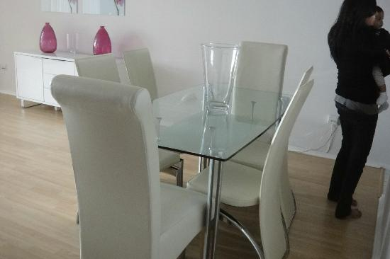 Point West Apartments by Crown Lawn: dining table