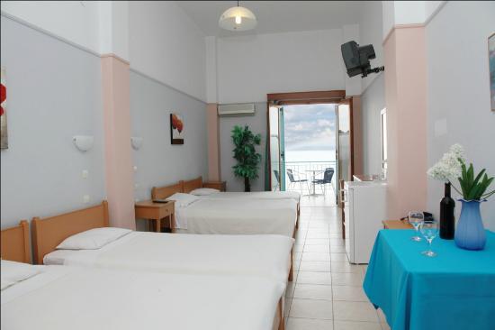 Christina Hotel: Our Quadruple room