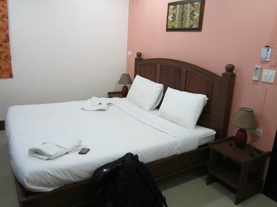 Baan Sutra Guesthouse: Bedroom