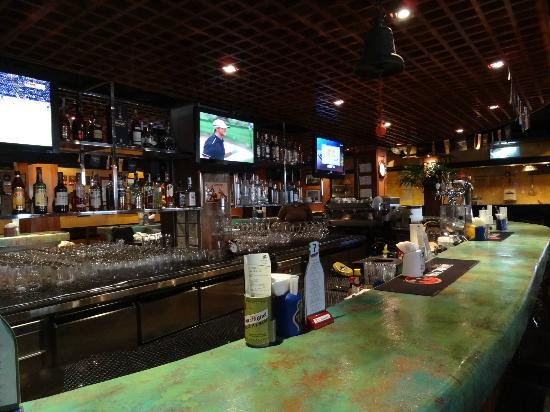 Dicey Reilly's Pub & Eatery: 4