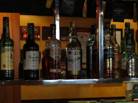 Dicey Reilly's Pub & Eatery: 6