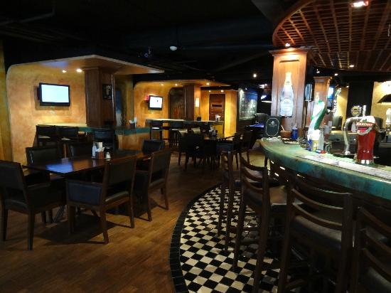 Dicey Reilly's Pub & Eatery: 2