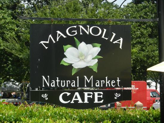 le Magnolia: petit resto, petit marché bio