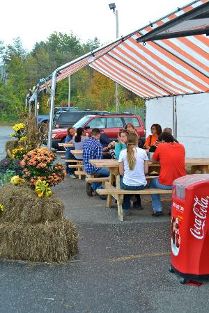 Black Bear Sugarworks Farm Stand: Columbus Day weekend