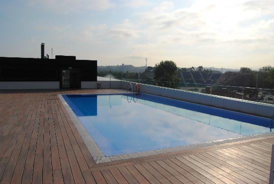 NH Gijón: piscina
