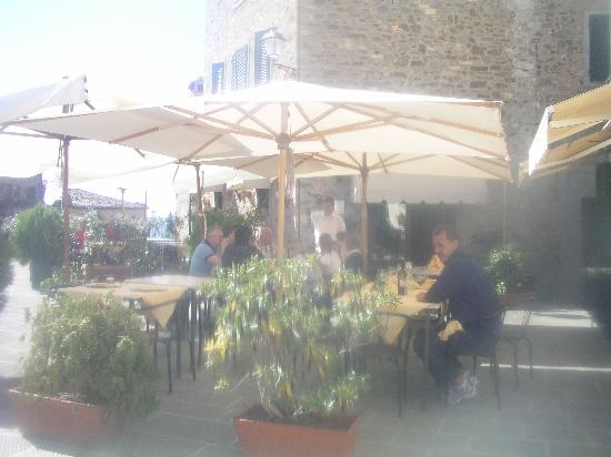 Tuscan Wine Tours with Angie: lunch