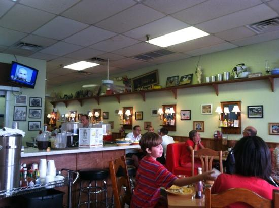 Maggie Mae's Sunrise Cafe: breakfast at Maggie's