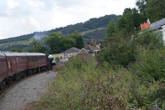 Peak Rail: Train entering Matlock