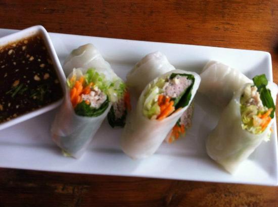 Khao San Road: Chicken spring rolls