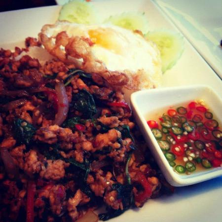 Khao San Road: Pad Gra Prao