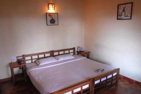 Bracknell Forest: Bedroom. A bit dull but ok