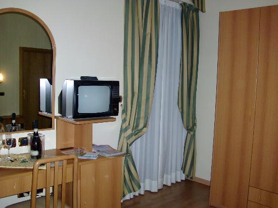 Hotel Villa Luca: camera con balcone