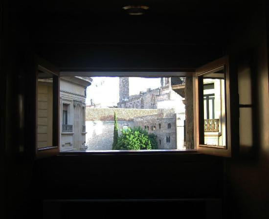 Regencia Colon Hotel: View from the secret window!