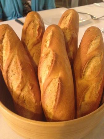 Els Pescadors : le pain servi a table