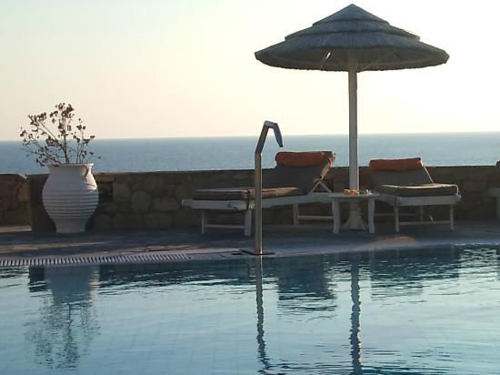 Royal Myconian Resort & Thalasso Spa Center: óptimo final de dia.... 