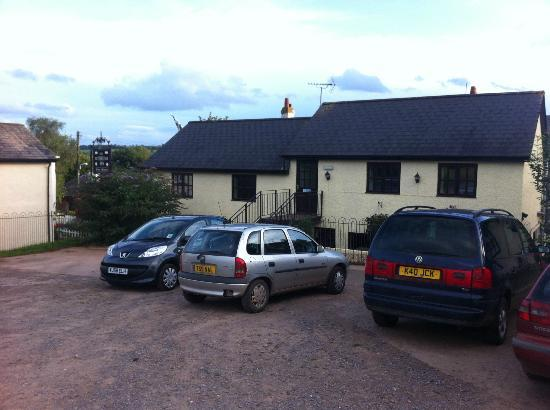 The Butterleigh Inn: View of the back of the Inn from the large and accomodating car park