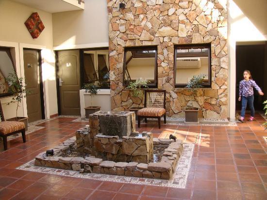 Patio interno picture of hotel patios de lerma salta - Plantas para patio interior ...
