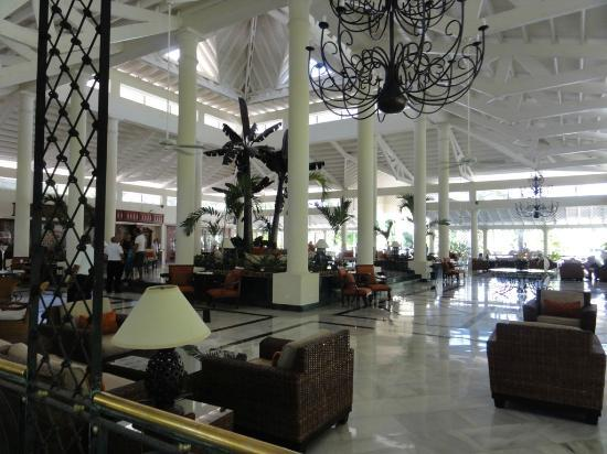 Grand Bahia Principe El Portillo: lobby