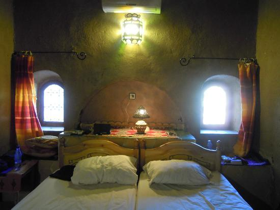 Guest House Merzouga: The bed