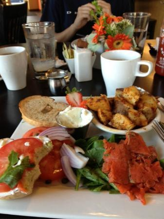 Marie Catrib's of Grand Rapids : Soo Lox Breakfast