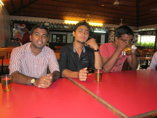 Frys Village Restaurant: :)