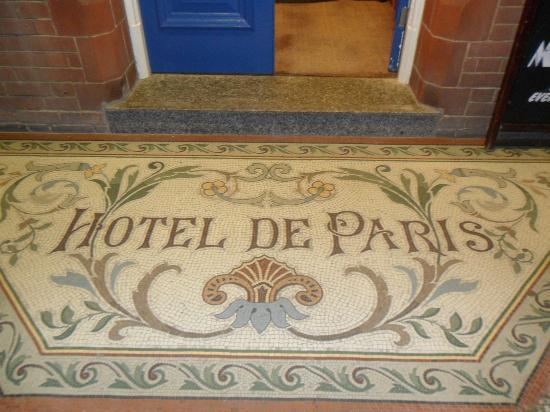 Hotel de Paris: Entrance mosaic