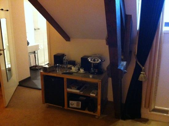 Suite Hotel Pincoffs : zona bar super fornita