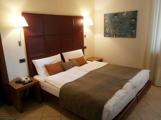 Hotel Meridiana: A double room