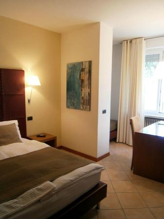 Hotel Meridiana: Another view of double room