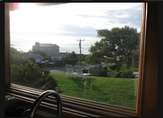 Lenhart's Cottages: Morning view from the kitchen