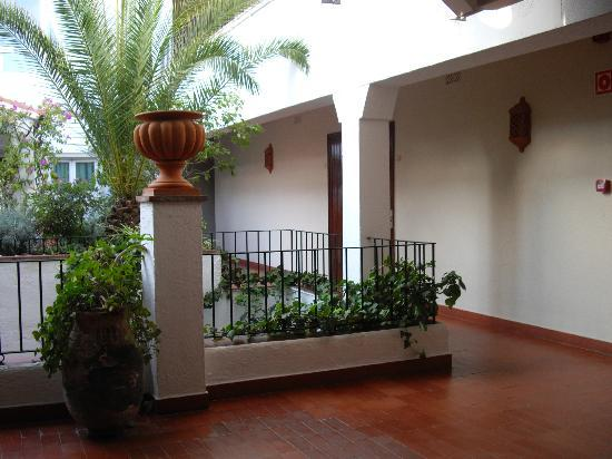 Ninays: Couloir et terrasse