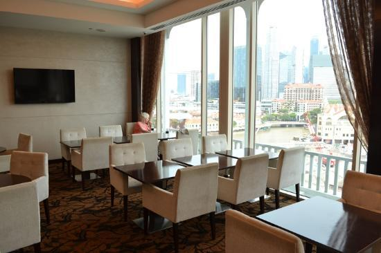 Park Hotel Clarke Quay: Crystal Club Lounge on the tenth floor