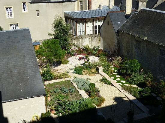 Hotel Particulier Poppa: View of the garden 