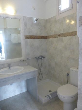 Alkyon Hotel: Bathroom