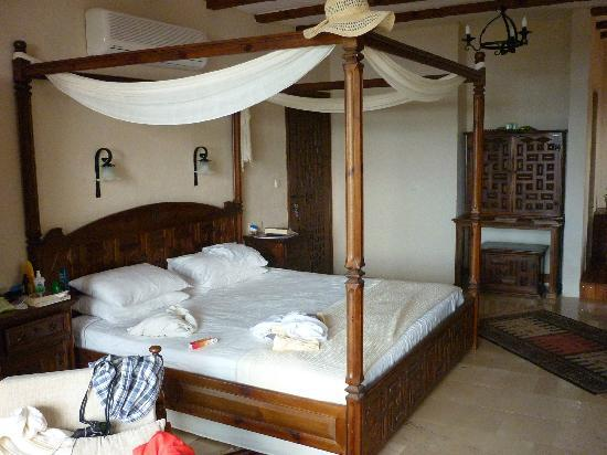 Mandarin Boutique Hotel: BIG bed!
