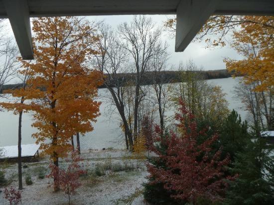 Hazen Inn: The view from our bedroom window. Incidentally, waking to the first snowfall of the season!