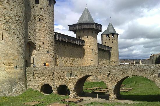 CHÂTEAU ET REMPARTS DE LA CITÉ DE CARCASSONNE : la Cité Médiévale de Carcassonne