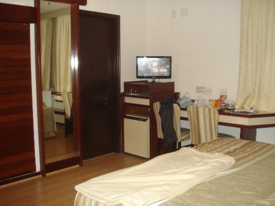 Hotel Novo Mundo: Quarto de casal.