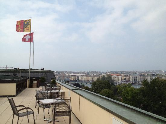 Hotel Metropole Geneve: Roof Terrace View