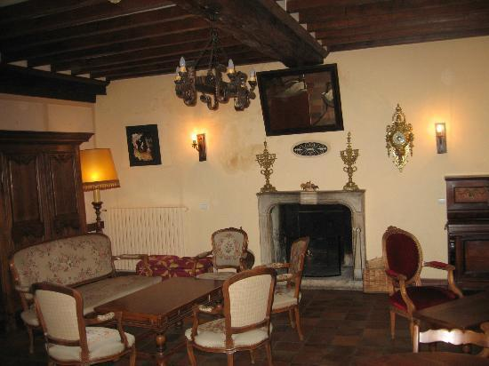 L'Hostellerie du Chateau: One of the salons