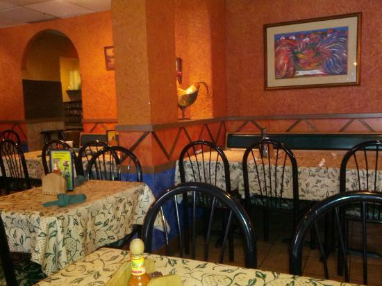 Chapala Restaurant: The dining area
