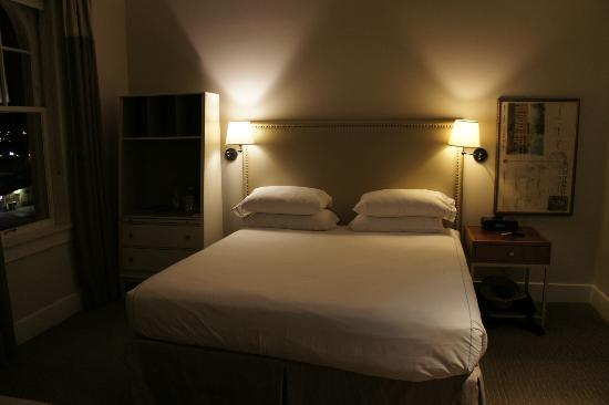 Hotel Parq Central: Our bedroom - with Frette Linen