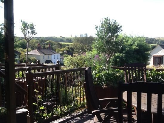 The Summer House at Ivar Cottage : View from the Summer House sundeck towards the Monument