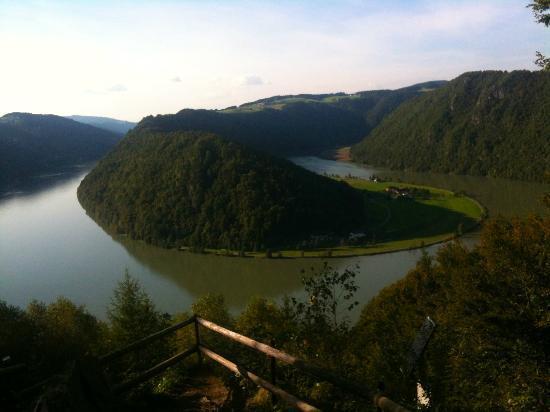Hotel Donauschlinge: l'ansa del Danubio vista dal belvedere dietro l'hotel