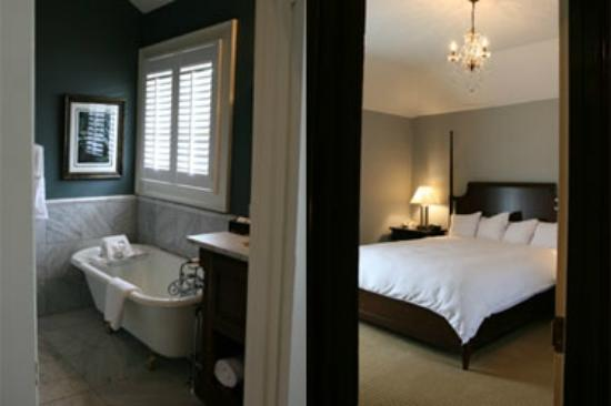The Smith House : Luxury Guest Room