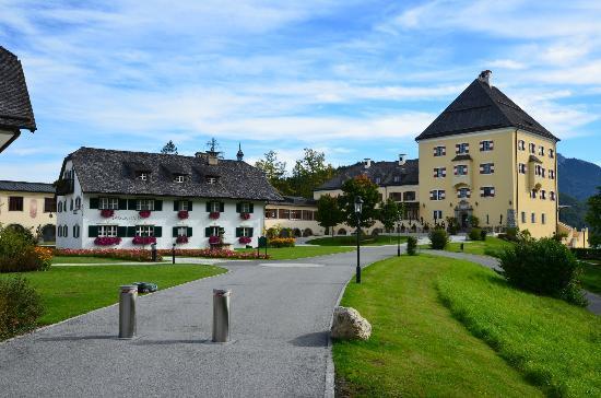 Arriv e picture of schloss fuschl a luxury collection for Designer hotel salzburg