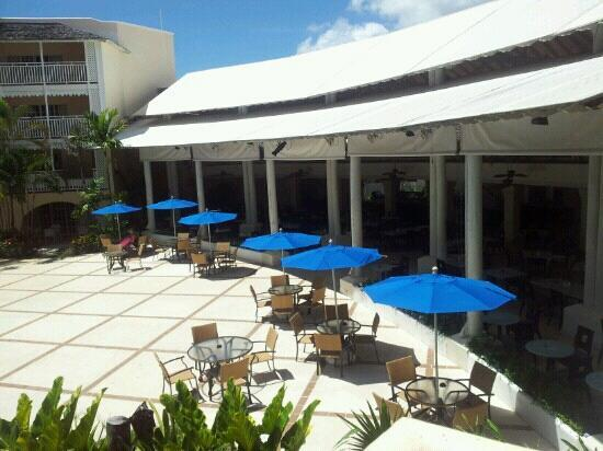 Turtle Beach by Elegant Hotels: patio area outside the chelonia resturant